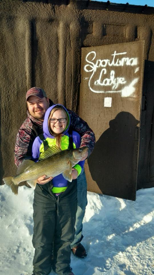 Taylor, 28 inch walleye ice fishing, Sportsman's Lodge.jpg