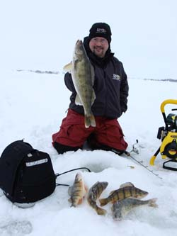 Top 5 lakes to ice fish in us fishing minnesota for Best fishing in minnesota