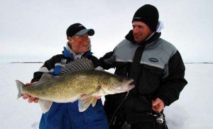 walleye ice fishing structure