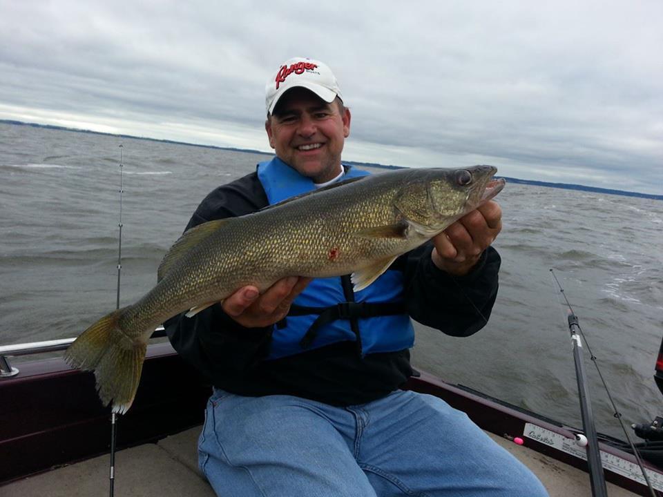Early season walleye fishing minnesota hunting reports for Walleye fishing minnesota