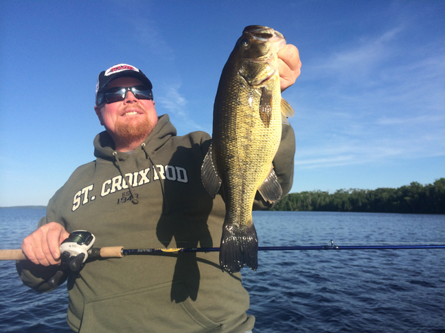 Better bang for your bass no trouble minnesota bass for Southern wisconsin fishing resorts