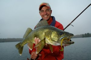 Catch the early season Rainy River walleye bite